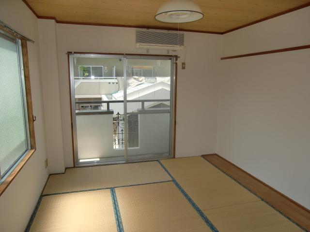 アンシャンテ モリモト 203号室のリビング