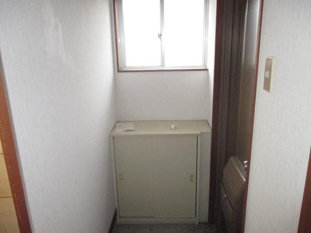 ハイム辻A 303号室の玄関