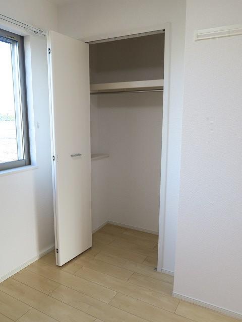 コンフォート東鶉 01010号室の収納