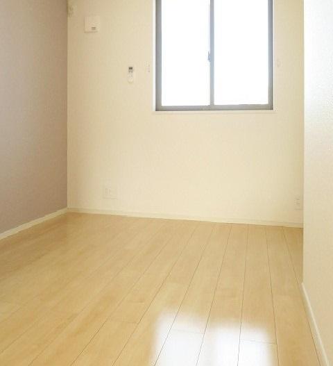 コンフォート東鶉 01010号室のベッドルーム