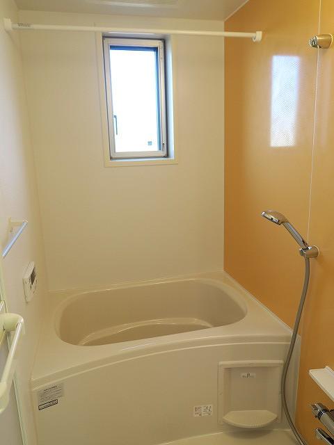 コンフォート東鶉 01010号室の風呂