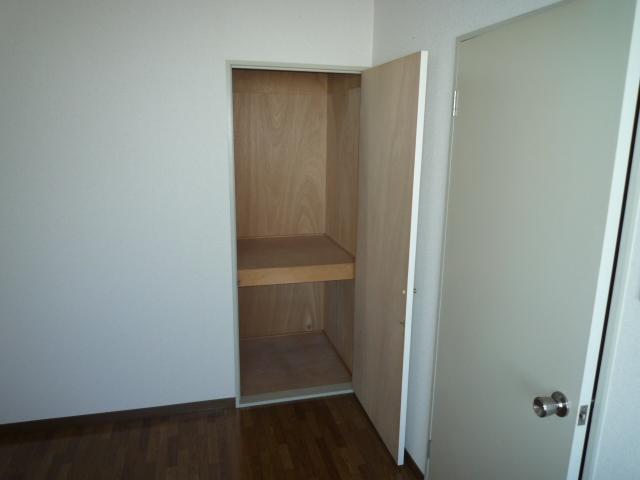 Y's breeze 206号室の収納