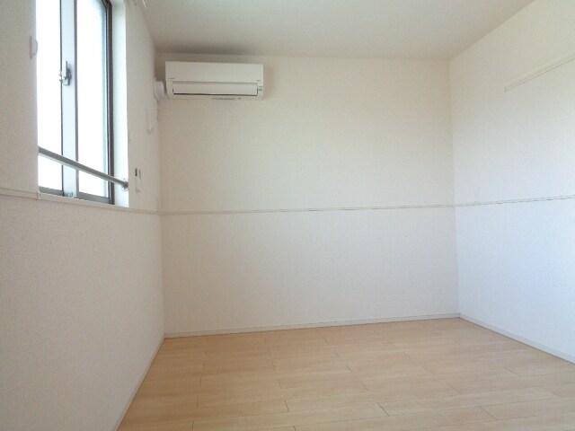 ファミーユさかほぎP 02040号室のリビング