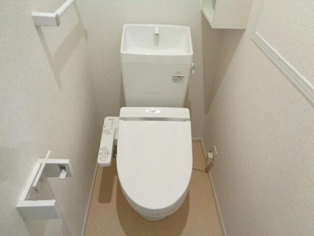ファミーユさかほぎP 02040号室のトイレ
