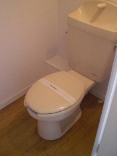 レオパレスWhiteField 202号室のトイレ
