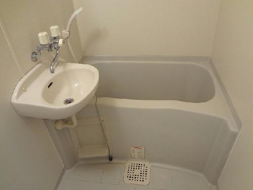 レオパレスWhiteField 202号室の風呂
