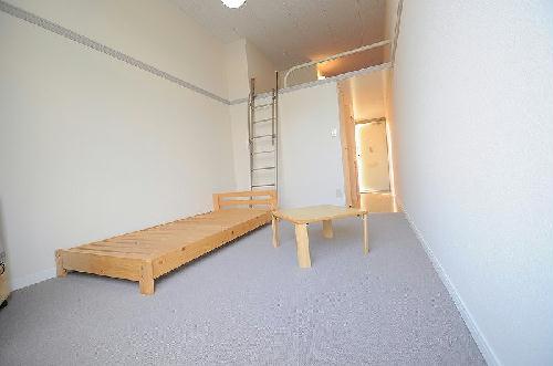レオパレスWhiteField 202号室のリビング