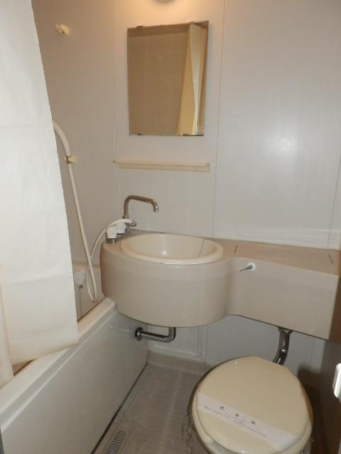アンフルーヴ 102号室のトイレ