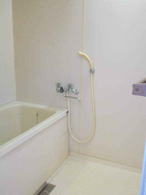 ジュネス藤 31号室の風呂