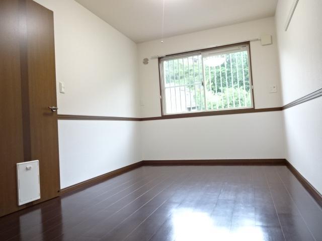 コンフォース鳩山 00103号室のベッドルーム