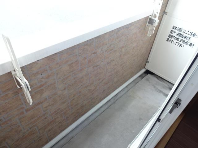 コンフォース鳩山 00103号室のバルコニー