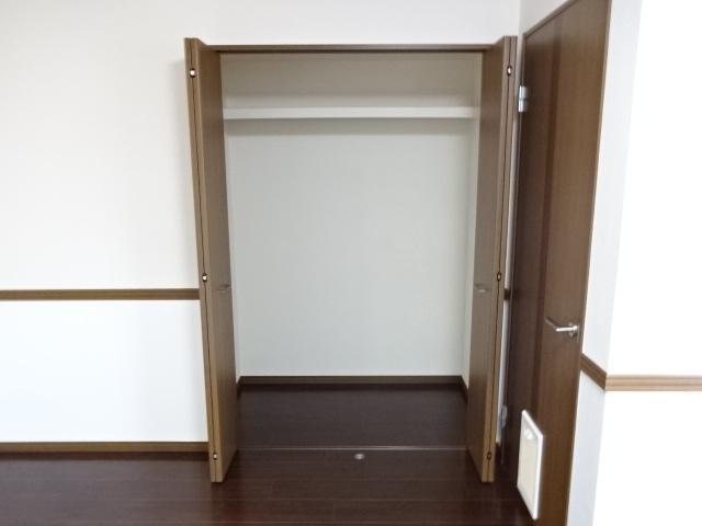 コンフォース鳩山 00103号室の収納