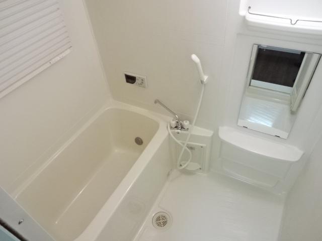 コンフォース鳩山 00103号室の風呂