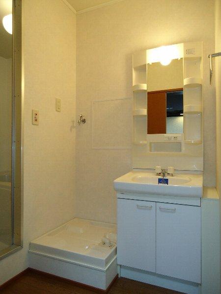 アンジェⅢ 201号室の洗面所