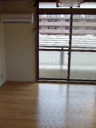 コーポ沢田屋 302号室のその他