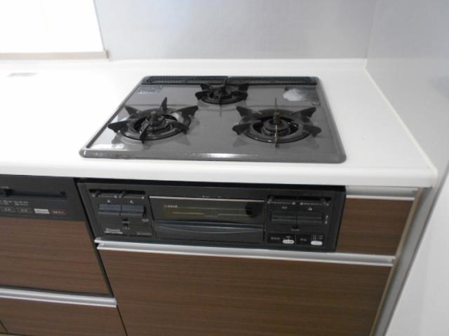 モナーク沼津 402号室のキッチン