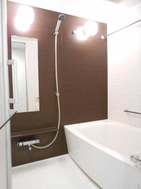 モナーク沼津 402号室の風呂
