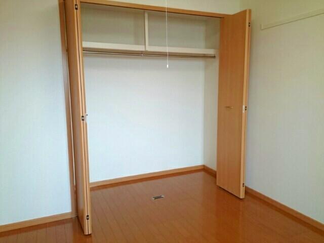 グロワール 03040号室の収納