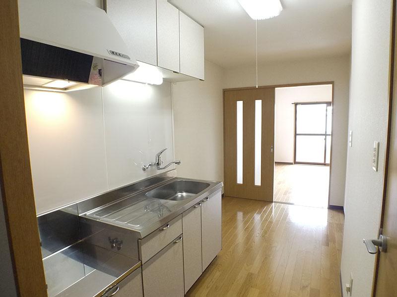 プリムヴェール 302号室のキッチン