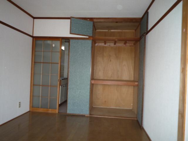 ハイツ堀田 503号室の収納