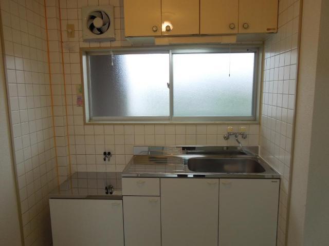 グリーンハイツふじA 00206号室の玄関
