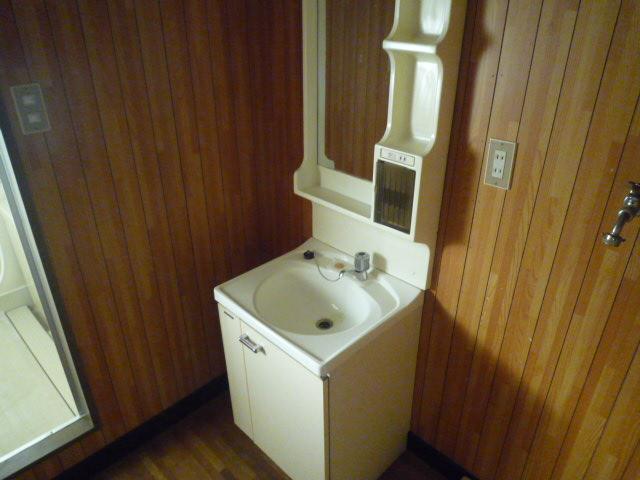 錦見コーポⅠ 201号室の玄関