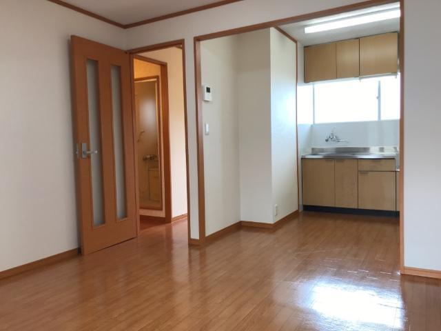 サンハイツアサヒ 105号室のリビング