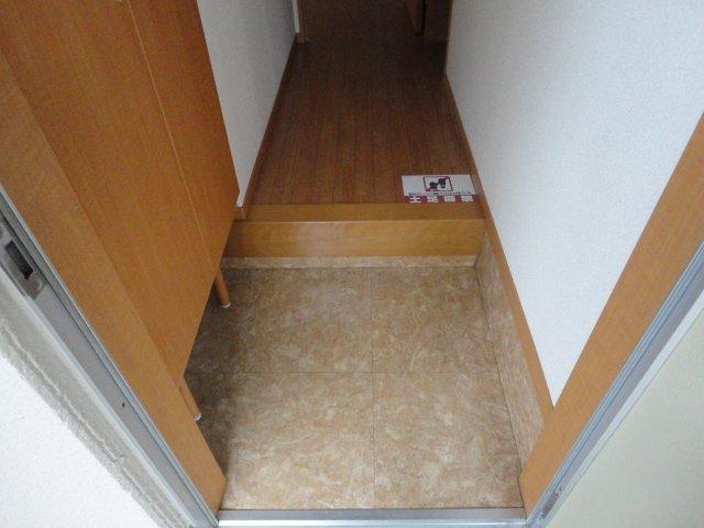 サンハイツアサヒ 105号室の玄関