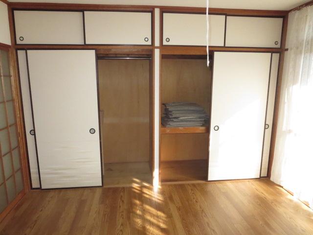 パークハイツ愛成 WEST 302号室の収納