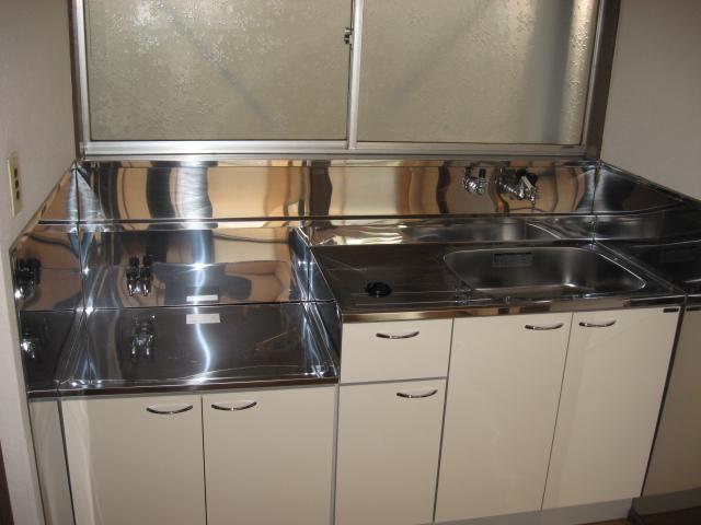 第一小峰荘 4号室のキッチン
