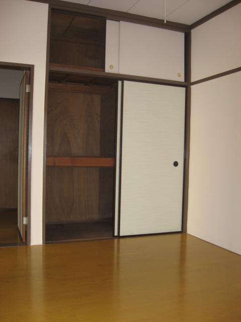 第一小峰荘 4号室のその他
