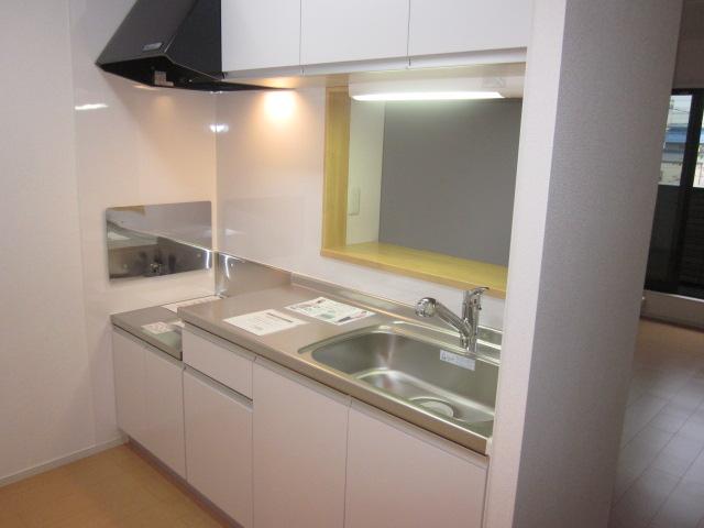 シャロン 02010号室のキッチン