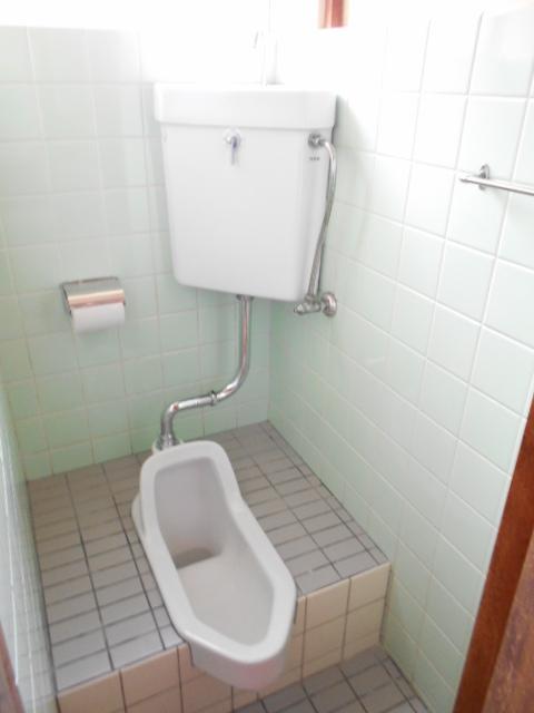 山口アパート 202号室のトイレ