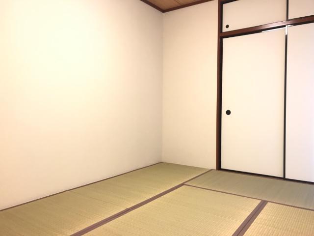 ハイツ園城 00305号室の居室