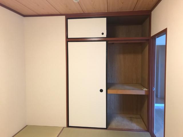 ハイツ園城 00305号室の収納