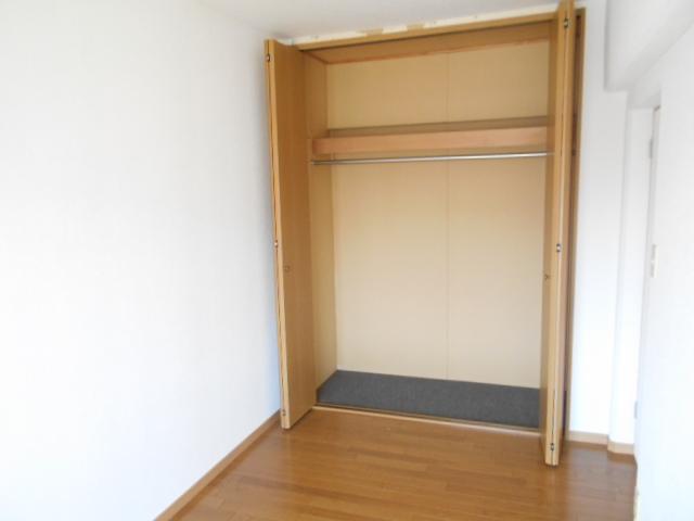 メゾンドール加藤 205号室の収納