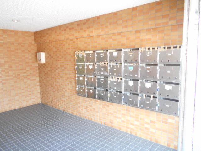 メゾンドール加藤 205号室のエントランス