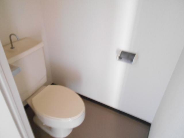 メゾンドール加藤 305号室のトイレ