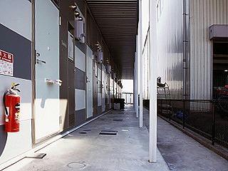 レオパレスあべーる 101号室のエントランス