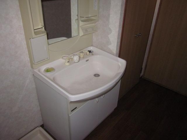 サンシャイン今伊勢 205号室の洗面所