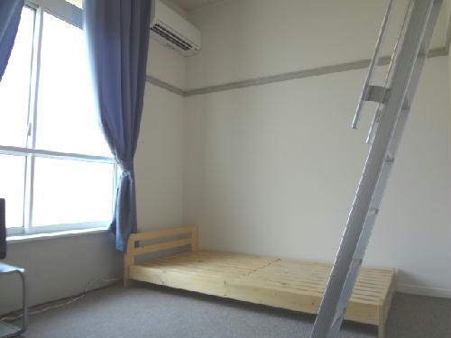 レオパレスAG 102号室のリビング