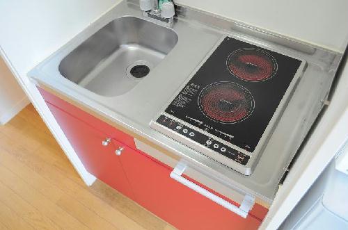 レオパレスMARIN 102号室のキッチン