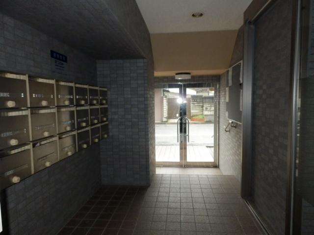 サンメゾン大宮 202号室のエントランス