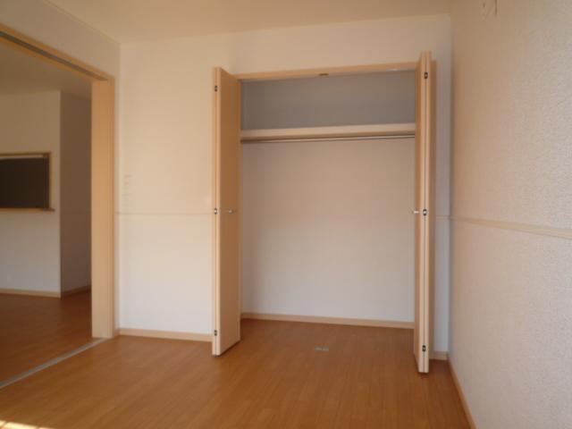 マーヴェラス ヴィラ D棟 02010号室の玄関