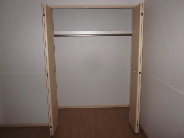 マーヴェラス ヴィラ D棟 02010号室の収納