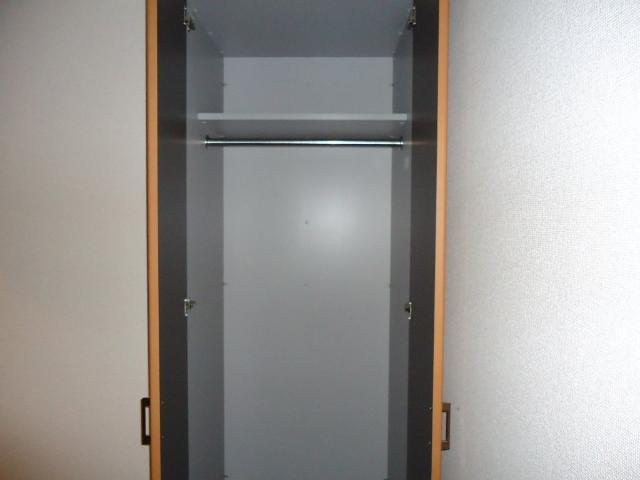 クローバー 303号室の玄関