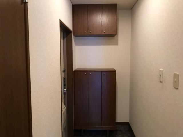 ハロー・21B 101号室の玄関