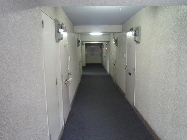 メゾン・ド・ボヌール 202号室のロビー