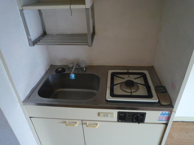 メゾン・ド・ボヌール 202号室のキッチン