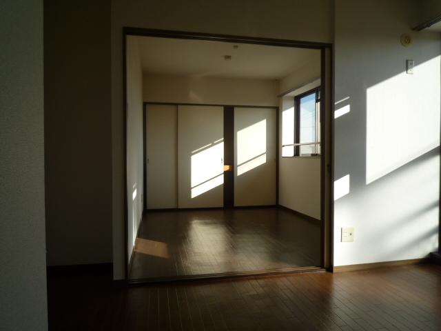 グランデージ堀 03040号室のリビング